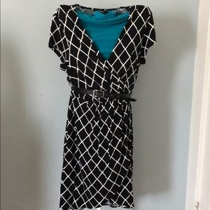 Express black and white belted dress